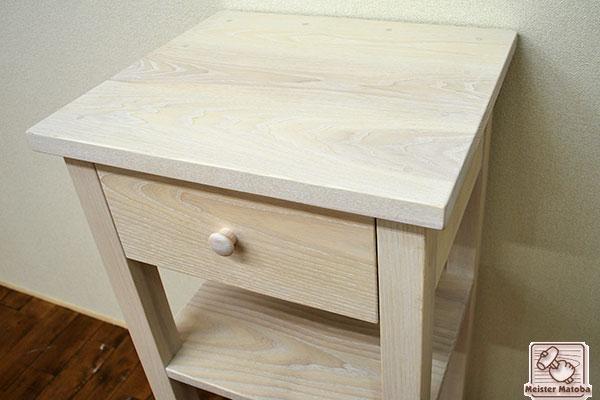 ホワイトアッシュ ロフトベッドのサイドテーブル