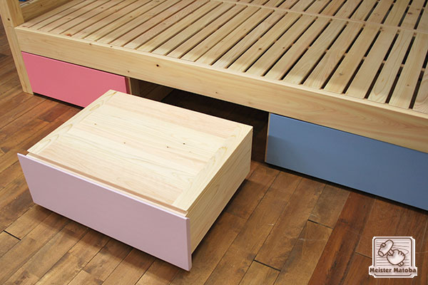 セミダブルサイズの二段ベッド階段と収納付