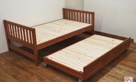 ひのき親子ベッド 上段はセミダブル下段はシングルとサイズ違い NO1705016