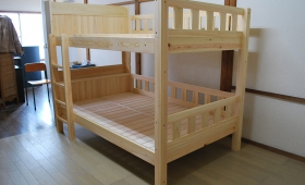 ひのき二段ベッド棚付きセミダブルサイズ 1801030