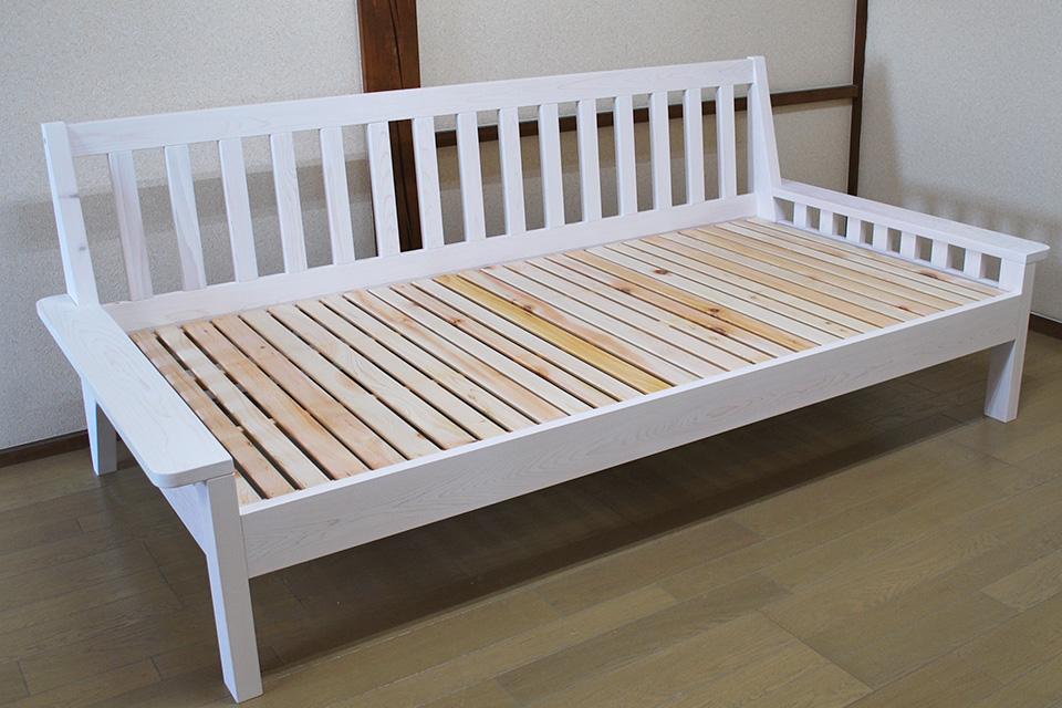 白いソファーのようなデイベッド NO1804008