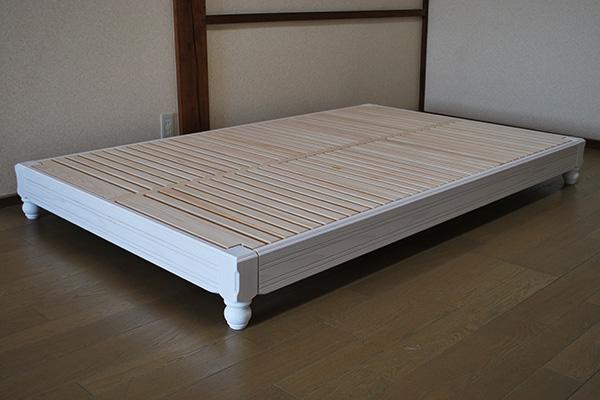 飾り面仕上げの白いローベッド高さ20cmセミダブルサイズ 1912027
