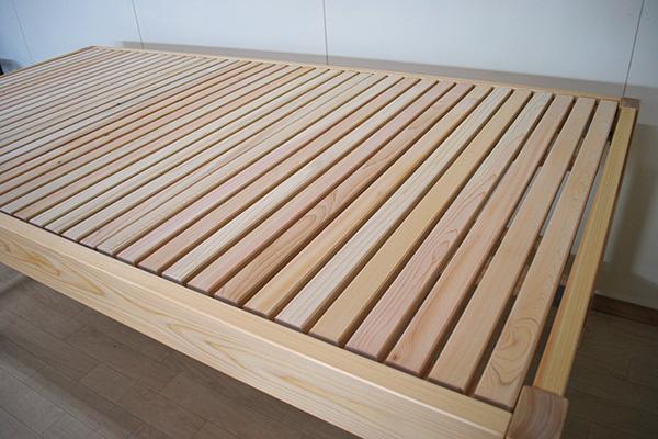 ひのきフラットベッド 寝台高さ75cm 机としても活用予定 2103033