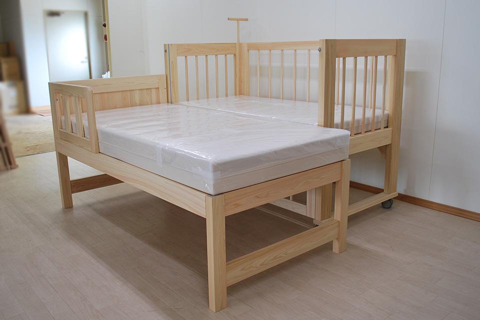 特殊寝台と畳ベッド 添い寝できるように寝台の高さを同じに2103039