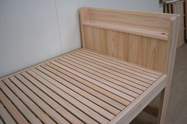 ひのき棚付きミドルベッド 寝台高さ60cm 2105024